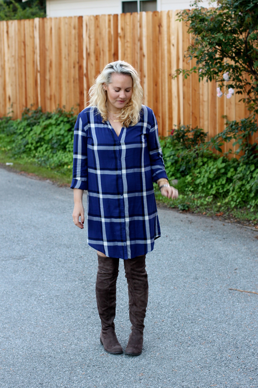 cupcakes-and-cashmere-plaid-shirtdress-outfit-inspiration-fall-fashion-mom-style-have-need-want-6