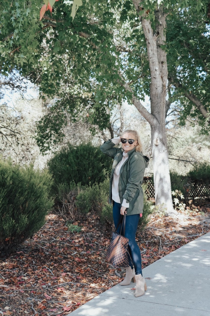 How to style Spanx faux leather leggings for fall. Sharing 5 ways to wear Spanx leggings on the blog. Head over to the post to check out all the looks. #falloutfits #spanxleggings #fauxleatherleggings