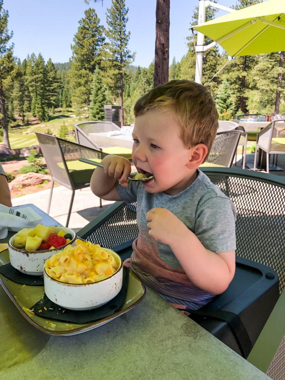 Family trip to North Lake Tahoe. Sharing all the family friendly activities we did over a long weekend vacation to Northstar. Head over to the post to give it a read and pin this so you're ready for your next family trip to Tahoe! #northlaketahoe #familytravel #donnerlake #northstar #familytravelblog