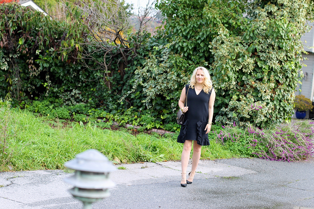 lbd-little-black-dress-ruffle-pockets-marni-rent-the-runway-outfit-inspiration-holiday-style-guide-have-need-want-4