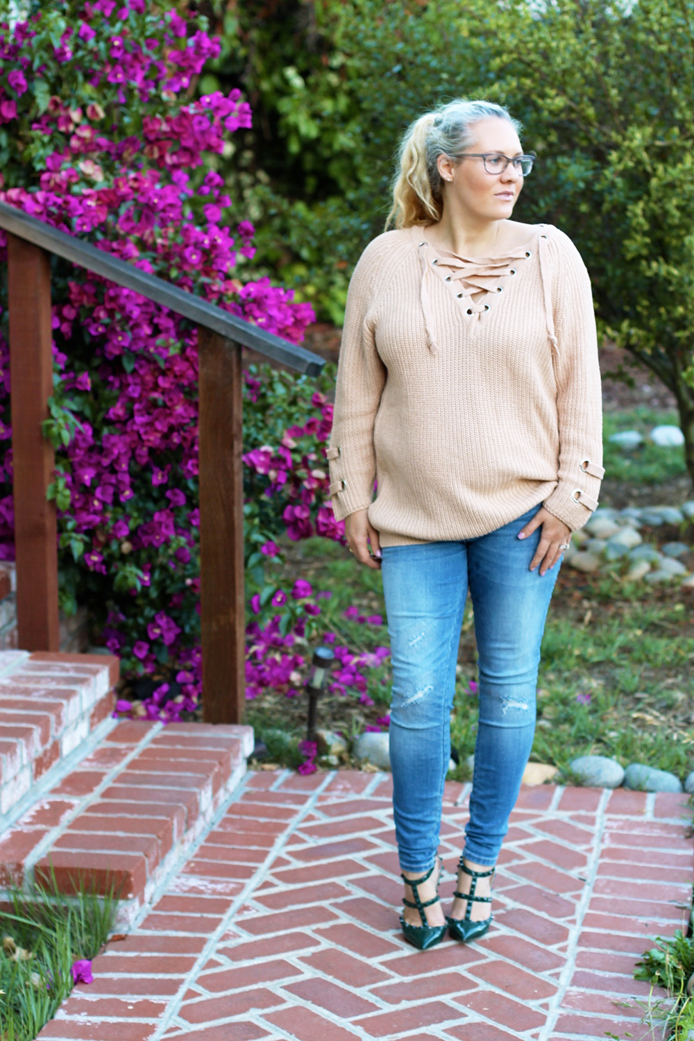 lace-up-sweater-chicwish-outfit-inspiration-mom-style-fashion-blogger-have-need-want