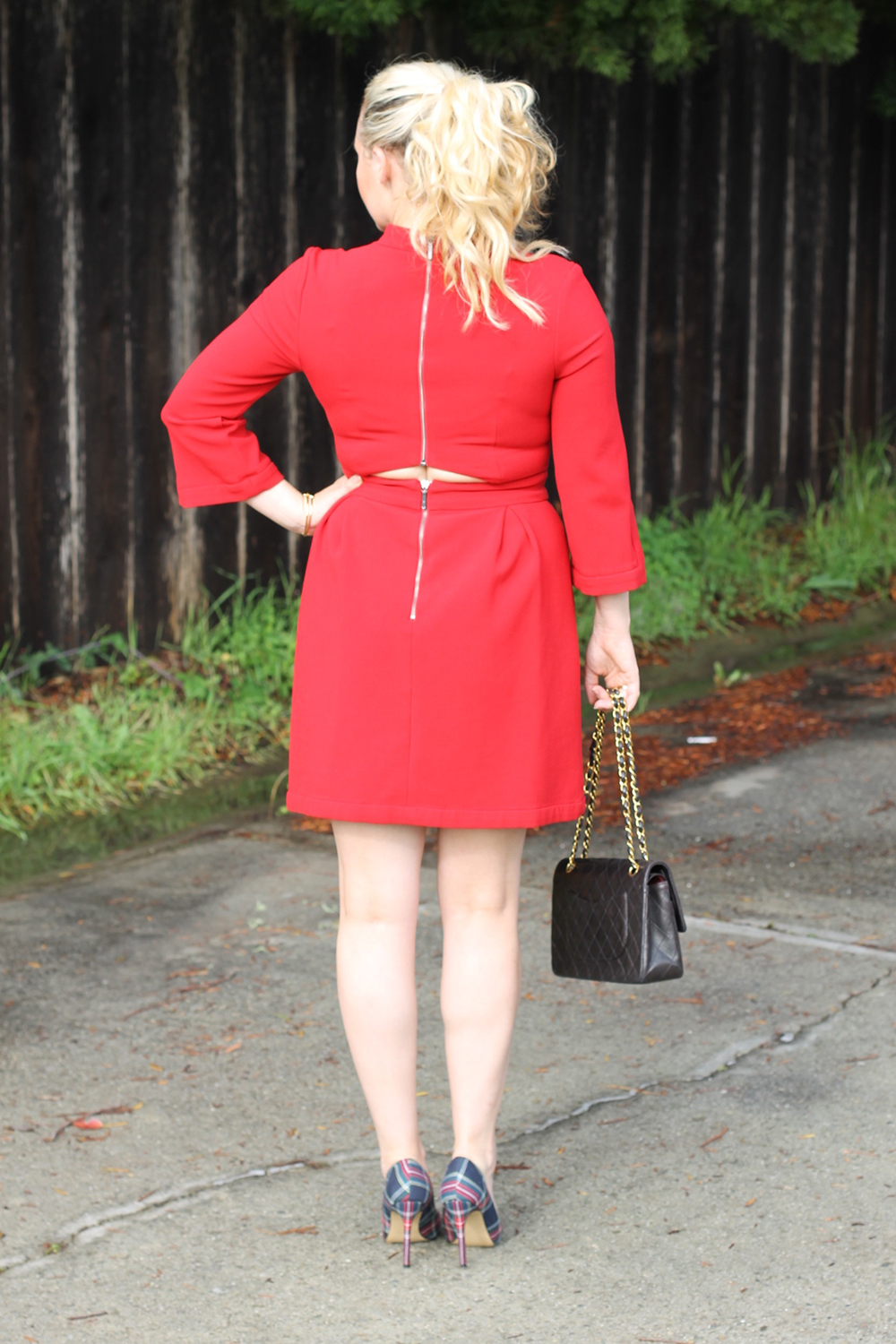 nicole-miller-lady-in-red-red-dress-holiday-style-outfit-inspiration-have-need-want-12