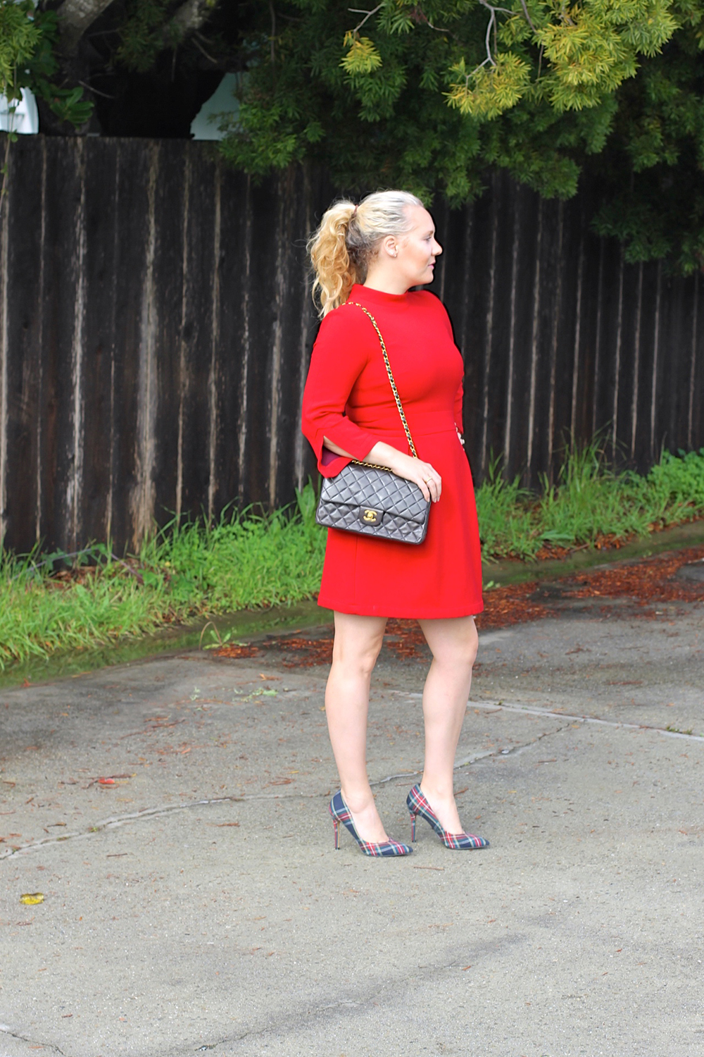nicole-miller-lady-in-red-red-dress-holiday-style-outfit-inspiration-have-need-want-3