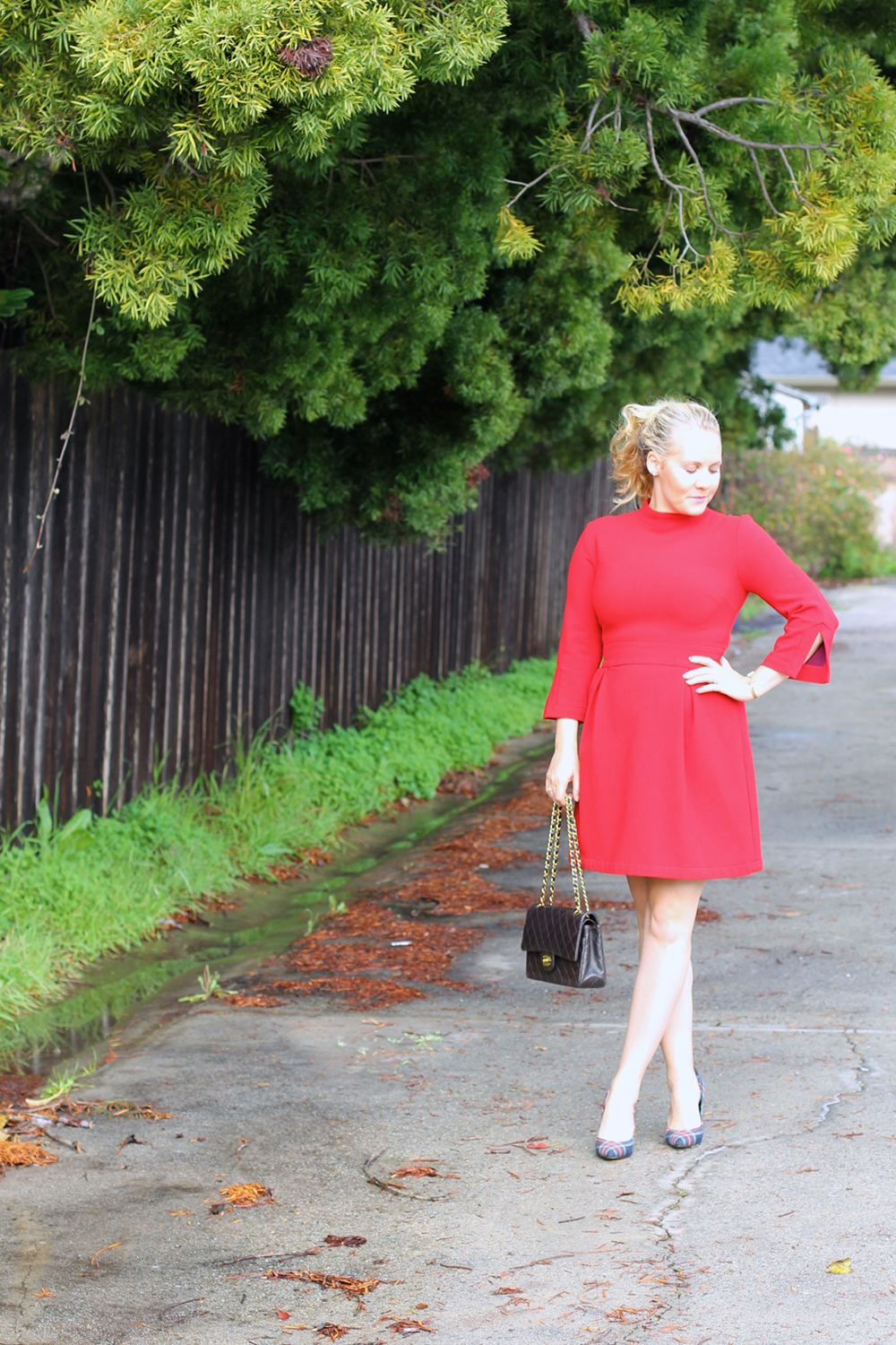 nicole-miller-lady-in-red-red-dress-holiday-style-outfit-inspiration-have-need-want-8