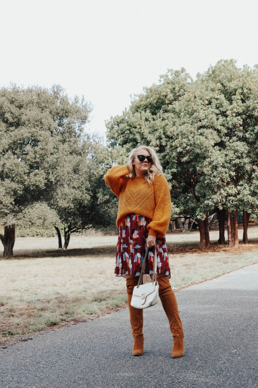 Last minute Thanksgiving outfit ideas you can recreate with clothes you already have in your closet. #fallstyle #falloutfit #thanksgivingoutfits