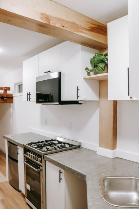 Home tour of our ADU/Tiny home that we recently completed. Sharing some progress photos as well. Head to the blog to check it out! #tinyhouse #tinyhome #homediy #homeproject