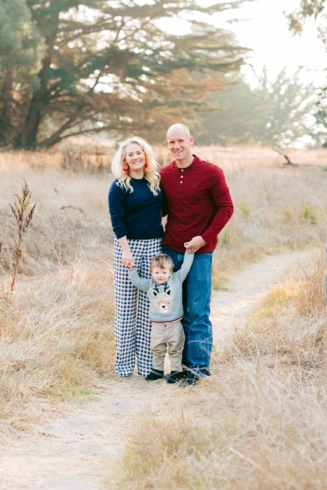 Tips on Selecting Outfits for Your Family Holiday Card Photoshoot