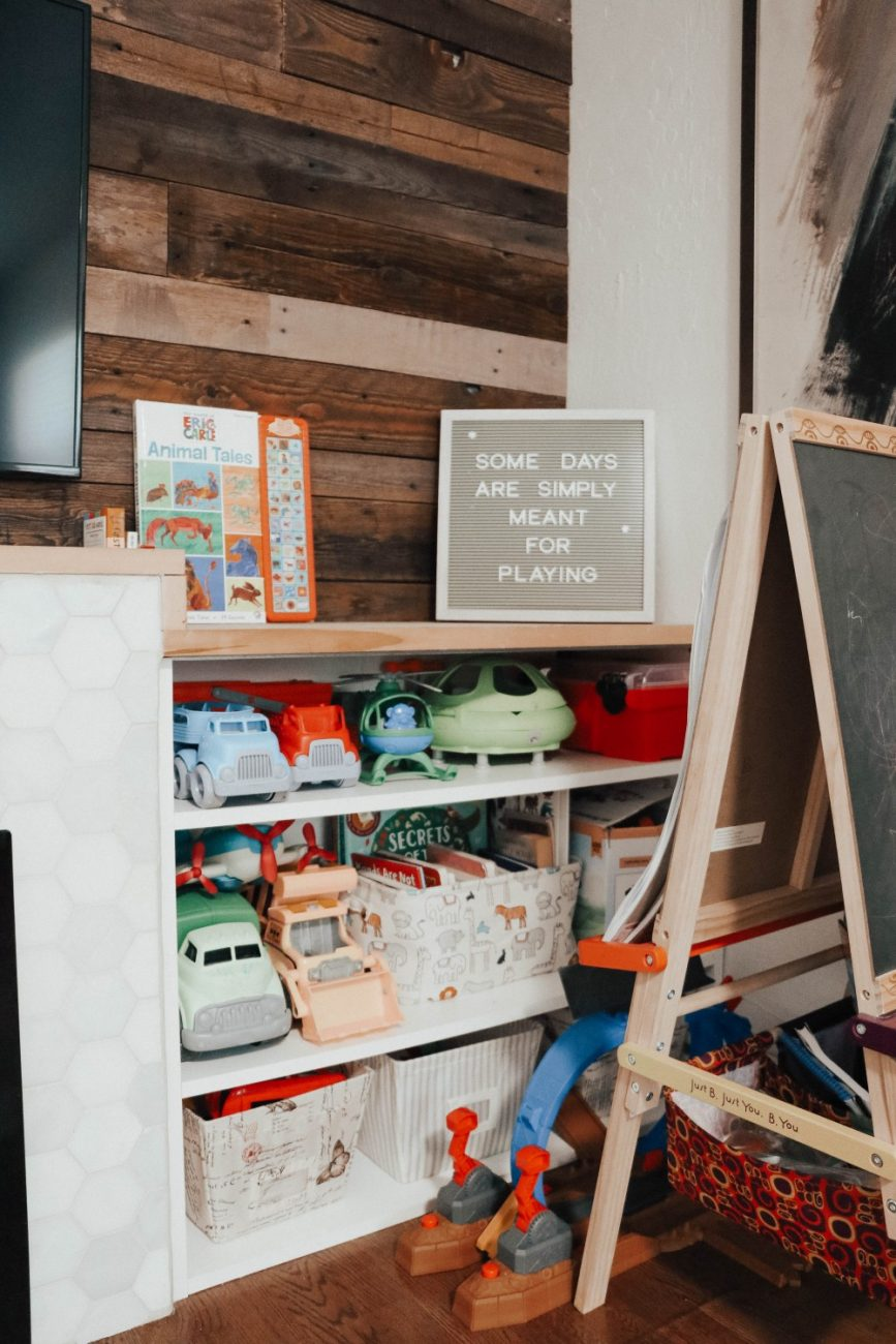 While the thought of the next month at home with our kids seems daunting I wanted to share activities you can do to keep your toddler busy and learning at the same time. Click on over to the blog to check it out and save for reference when you're in a pinch and need some ideas! #toddleractivities #shelterinplace #playtolearn