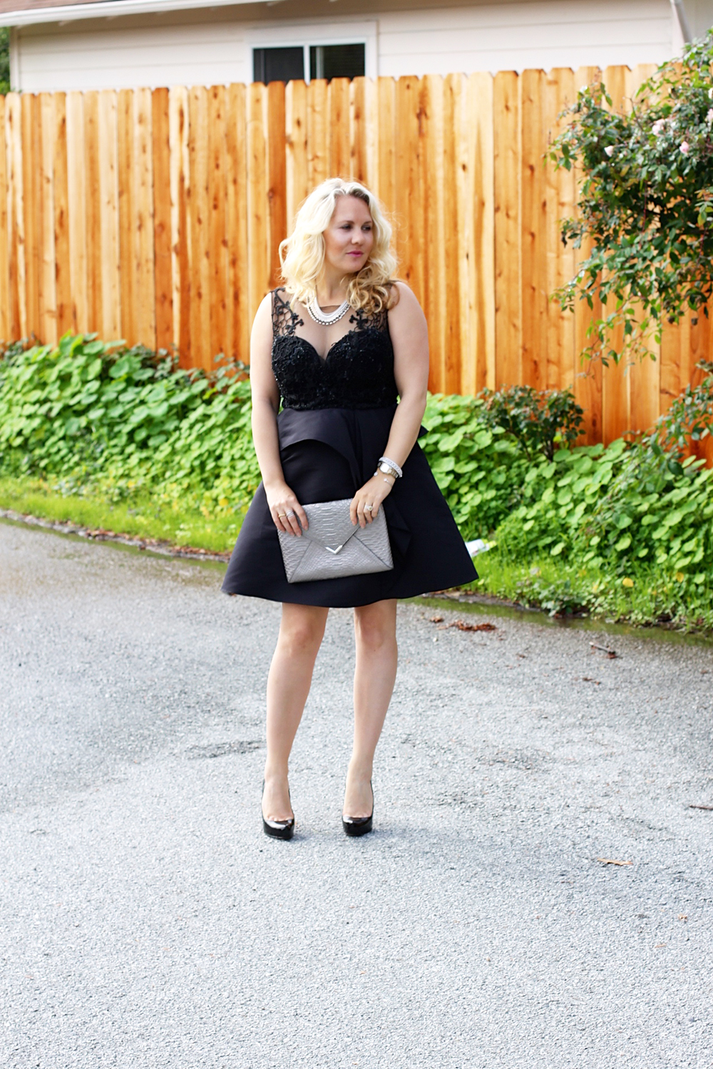 warmest-wishes-this-holiday-season-have-need-want-holiday-style-lbd-outfit-inspiration-10