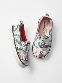 peanuts comic shoes