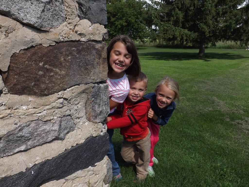kids around wall