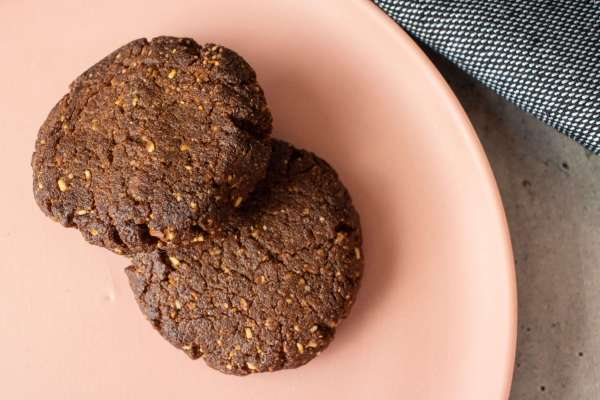 Looking for a crunchy keto cookie? These delicious hazelnut keto cookies won't disappoint. With chocolate and hazelnut flavours, they taste like nutella.