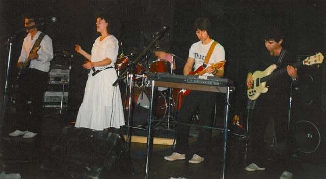 zip-on-stage