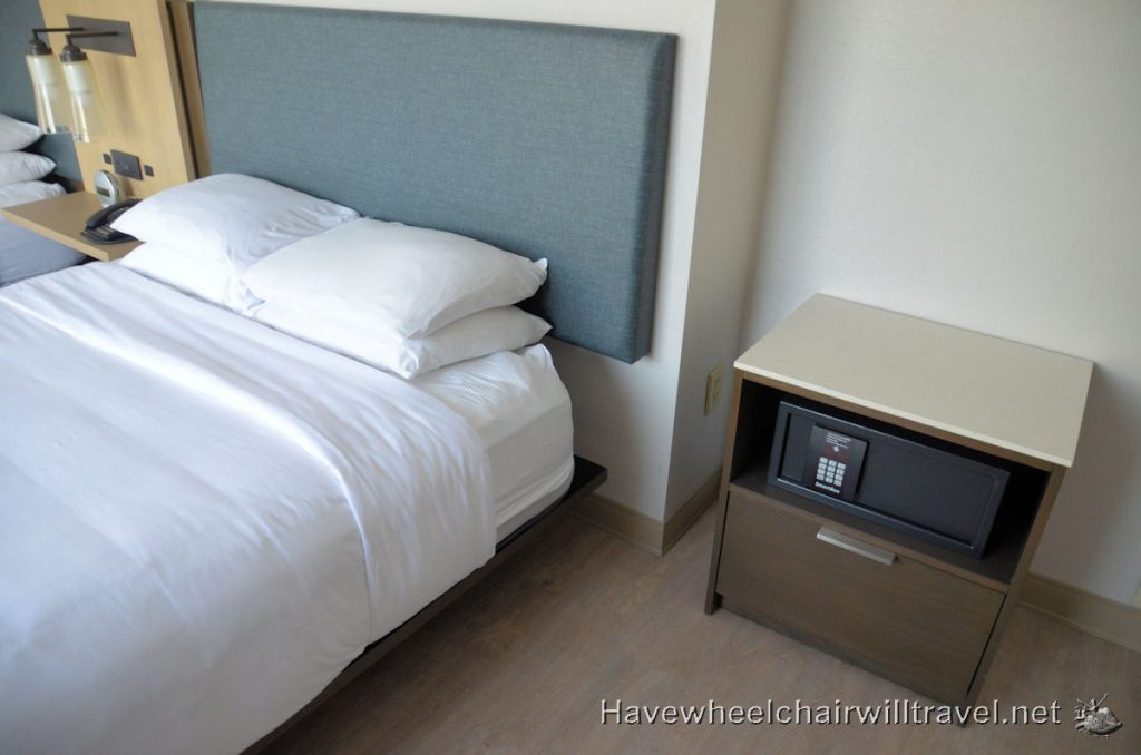 Marriott Anaheim - wheelchair accessible Anaheim