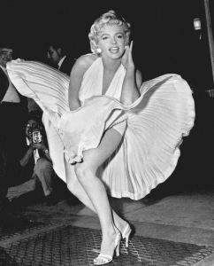 Marilyn_Monroe_skirt-t2mv