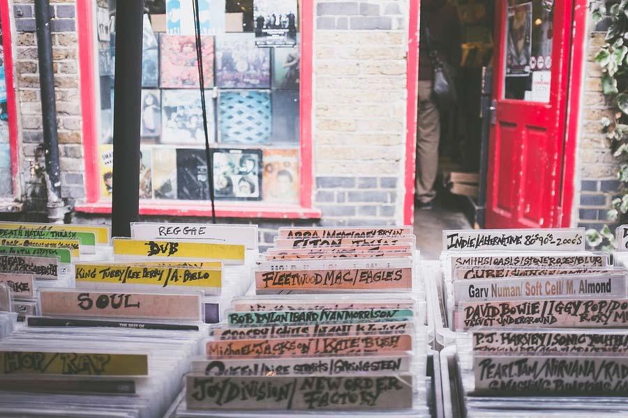 Vinyle-magasin-disquaire