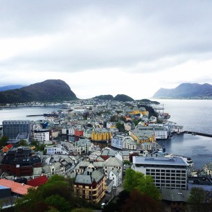 Ålesund with Sukkertoppen in the background