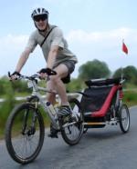 na kole s cyklovozíčkem