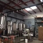 カイルアのビール工場にはハワイのローカルが新鮮なビールを求めて集まります。