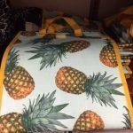 ホールフーズの最新エコバック。ハワイ土産ならやっぱりパイナップルのエコバックがお勧めです。