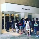 DEAN&DELUCAがオープン。ハワイ限定トートがお勧め。すでに並んでいます。@ロイヤルハワイアンセンター