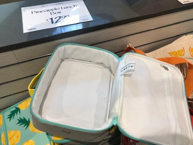 ホールフーズのパイナップルのランチボックス