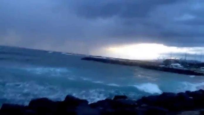 Furchtbarer Sonnenuntergang Hawaii Waikiki am Hilton Hawaiian Village Strand
