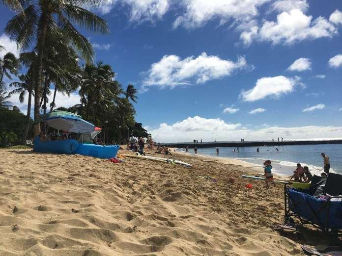 Queens Beach Waikiki – Ruhiger Strand mitten in Waikiki