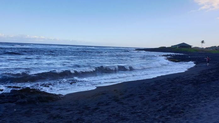 Punalu'u Beach – Black Sand Beach auf Big Island