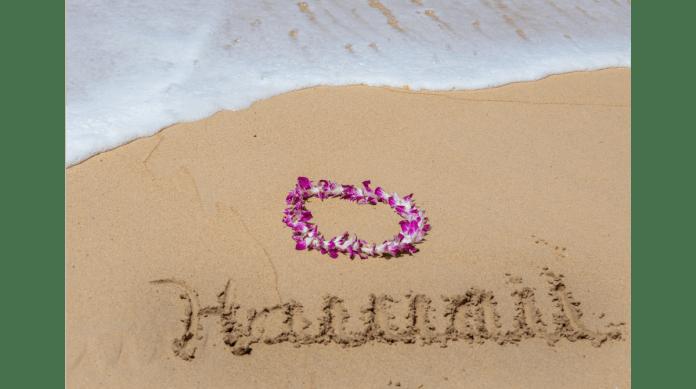 Hawaii erwartet Dich - Lei am Strand