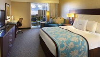 guest rooms Double Tree by Hilton Alana Waikiki Hotel