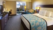 guest rooms Double Tree by Hilton Alana Waikiki Hotel