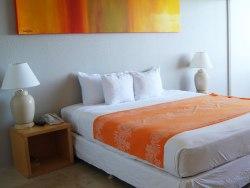 Hilo Naniloa Hotel bay view room
