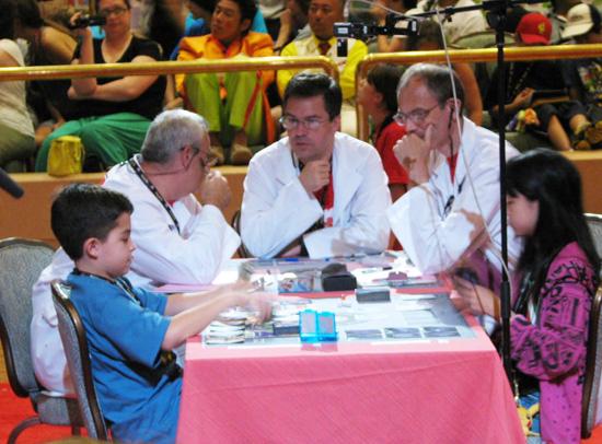 Juan Pablo Arenas and Yuka Furusawa battle during the Junior Division finals.