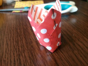 4,チューリップみたいな形に形を整えます。
