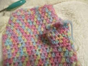 細編みを5段編みます。