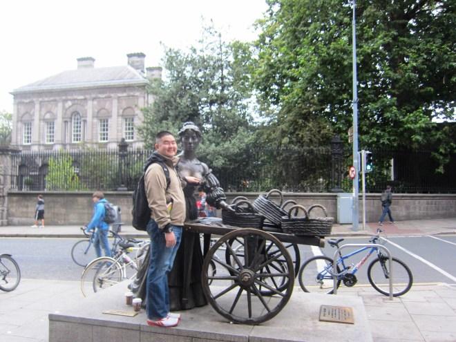 Dublin's Molly Malone Statue