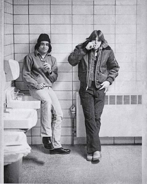 70s-bathroom-boys_900px-30pct-sRGB