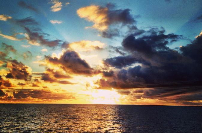 Na Pali Sunset Dinner Cruise and Snorkel on Kauai