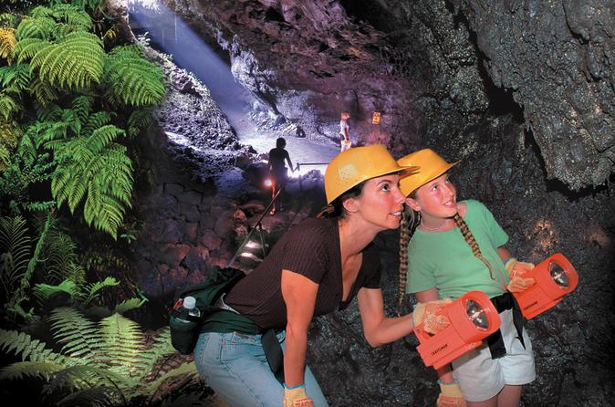 Small-Group Luxury Tour: Road to Hana and Ka'eleku Cavern Day Trip on Maui
