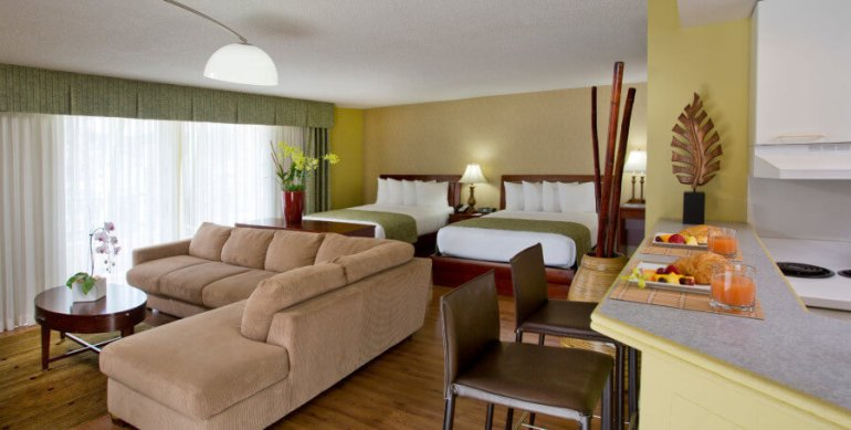 Hawaii on a Budget: 5 Cheap Hotels on Oahu featured by top Hawaii travel blog, Hawaii Travel with Kids: Check out the huge rooms at the Ramada Plaza Waikiki, a budget-friendly Waikiki hotel