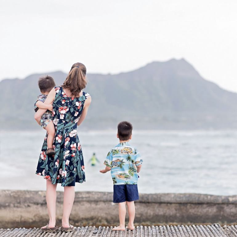 The Most Beautiful Places To Visit In Oahu featured by top Hawaii travel blog, Hawaii Travel with Kids: Head to Waikiki Beach, one of the most beautiful places on Oahu