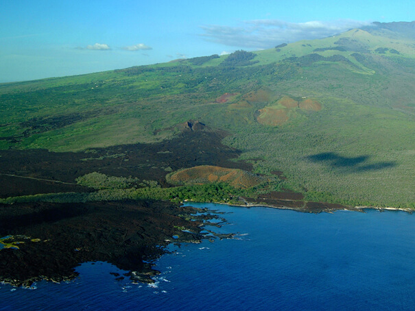 21 Best Things to Do in Wailea Maui featured by top Hawaii blog, Hawaii Travel with Kids: La Perouse Bay, Wailea, Maui