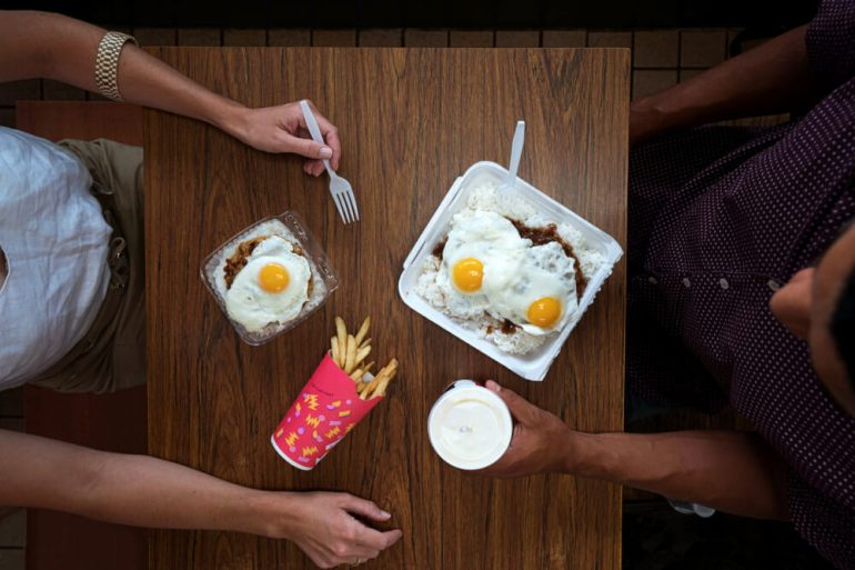 How to Plan a Hawaii Babymoon featured by top Hawaii blog, Hawaii Travel with Kids: Loco Moco plate lunch in Hawaii