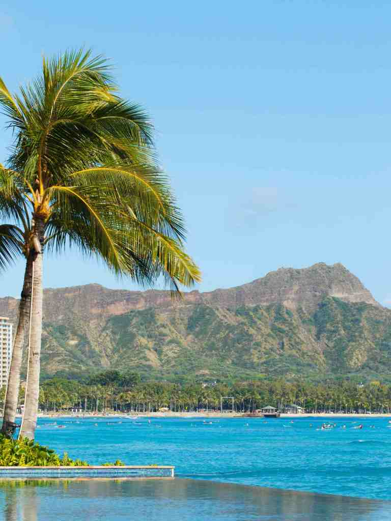 Find out if Oahu is the best Hawaii island for families. Image of Diamond Head in Waikiki, Oahu.