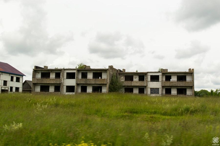 Недостроенные дома, Поставы