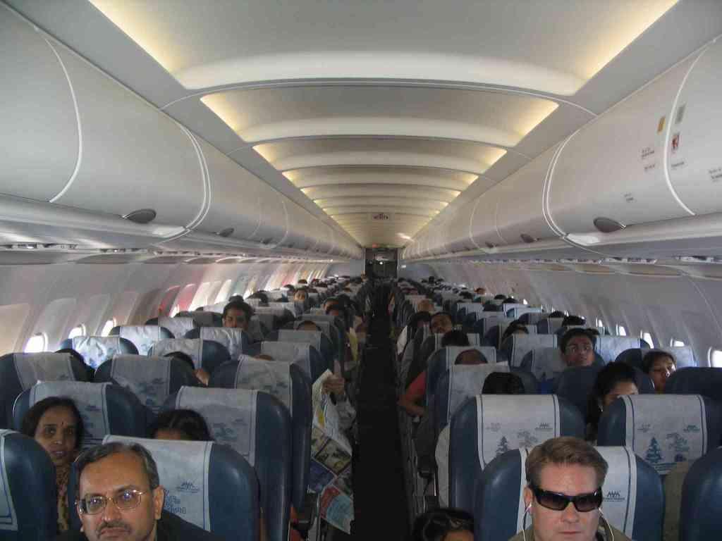 Interior_of_Air_Deccan_Airbus_A320