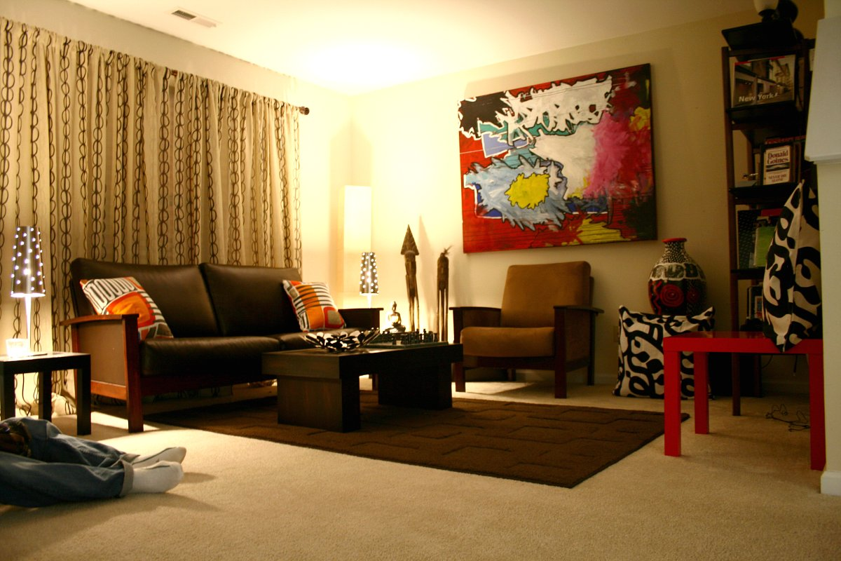 Living room art  20 methods to make a bare room pop