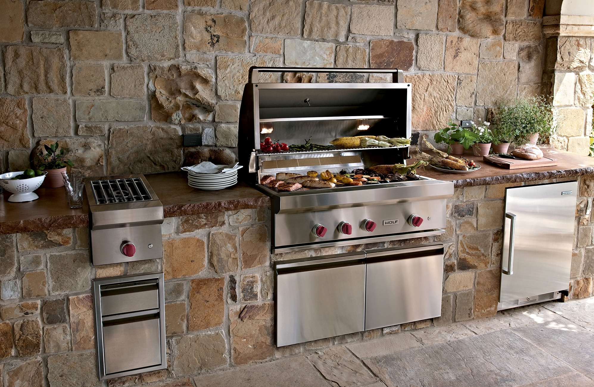 Outdoor kitchen appliances  Hawk Haven