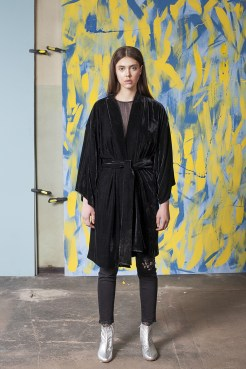 Czarne welurowe kimono